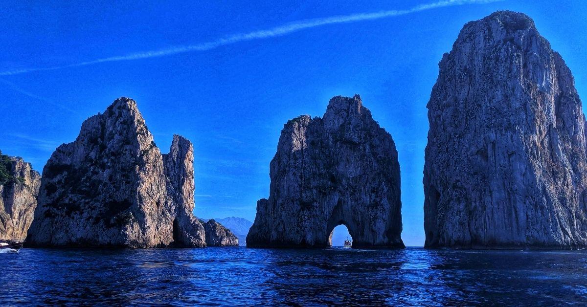 Capri Island - Turquoise Beaches And Celebrity Destination - Gelato - Moniedism