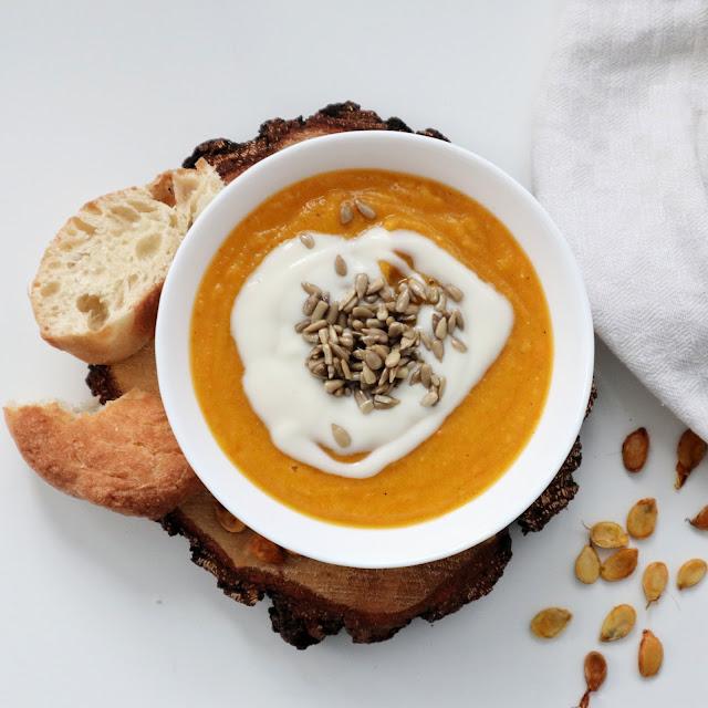Prosty przepis na Wegańską zupę krem z dyni Hokkaido i soczewicy