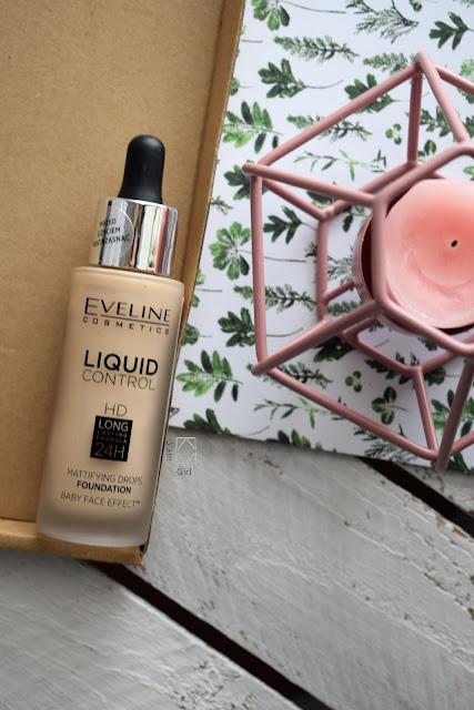 Recenzja - Eveline podkład Liquid Control