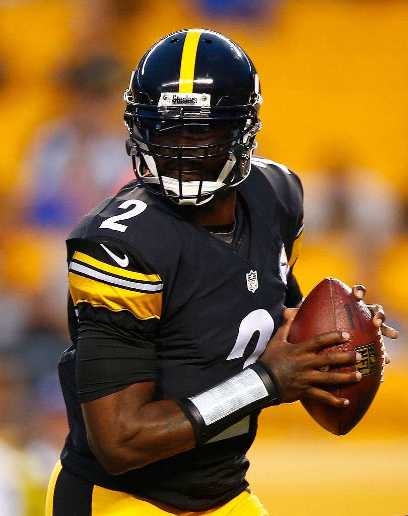 michael vick In the early to mid-2000s, michael vick was one of the top quarterbacks in the nfl his running style of football was unheard of at the time he ran for nearly 4,000 yards in six seasons, and led.