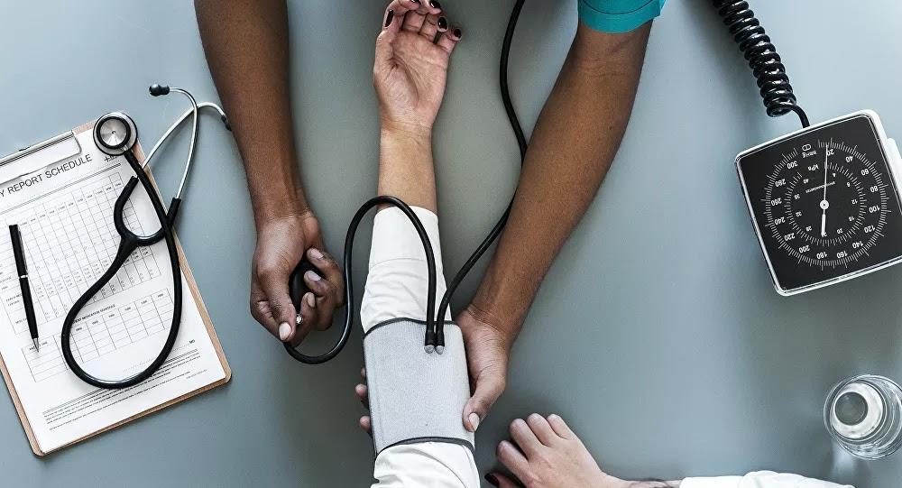 كيفية خفض ضغط الدم في خمس دقائق دون دواء