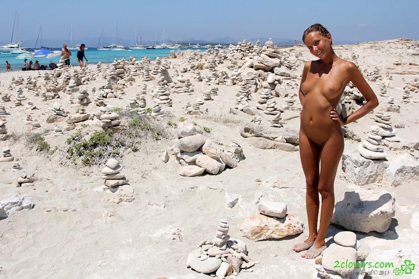[2Clovers.Com] Clover - Formentera 1-2Real Street Angels