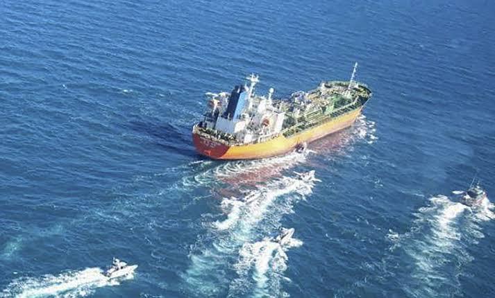 """""""Descongelar 7.000 millones de dólares puede ayudar a liberar el petrolero surcoreano"""" dice un miembro del parlamento iraní"""