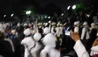 Gas Air Mata Ditembakkan, Mohon Doa Umat Islam Agar Aksi Tetap Damai