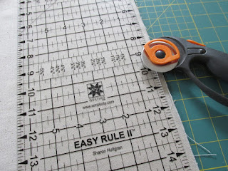 how to make a diy banner with thrift store muslin