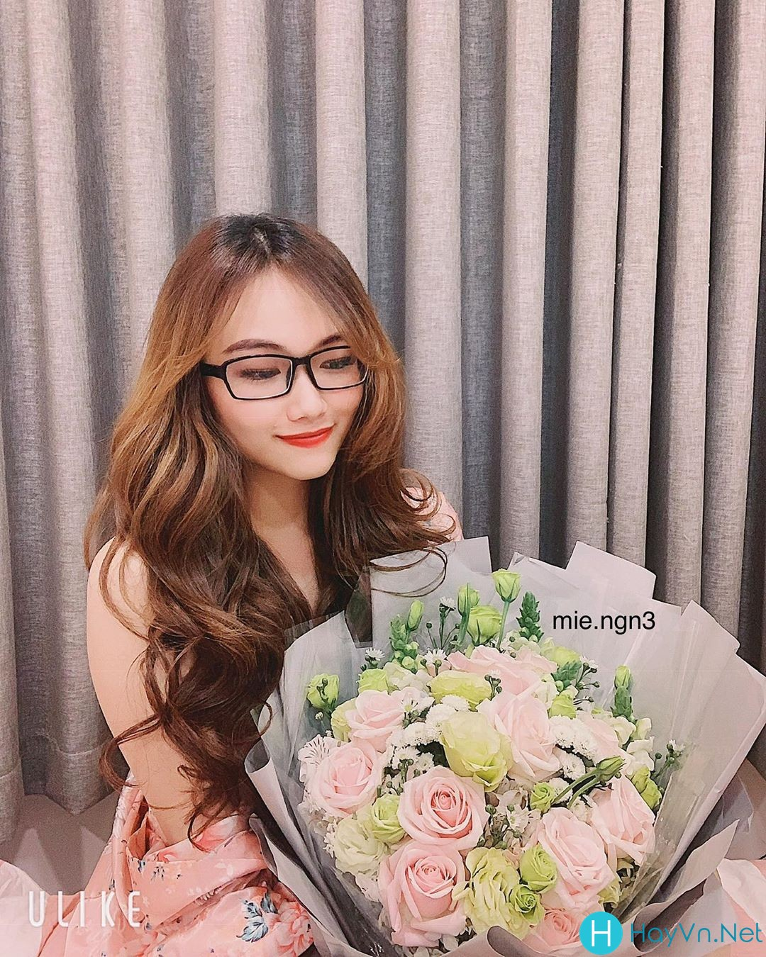 Model Mie Nguyễn | E-CUP