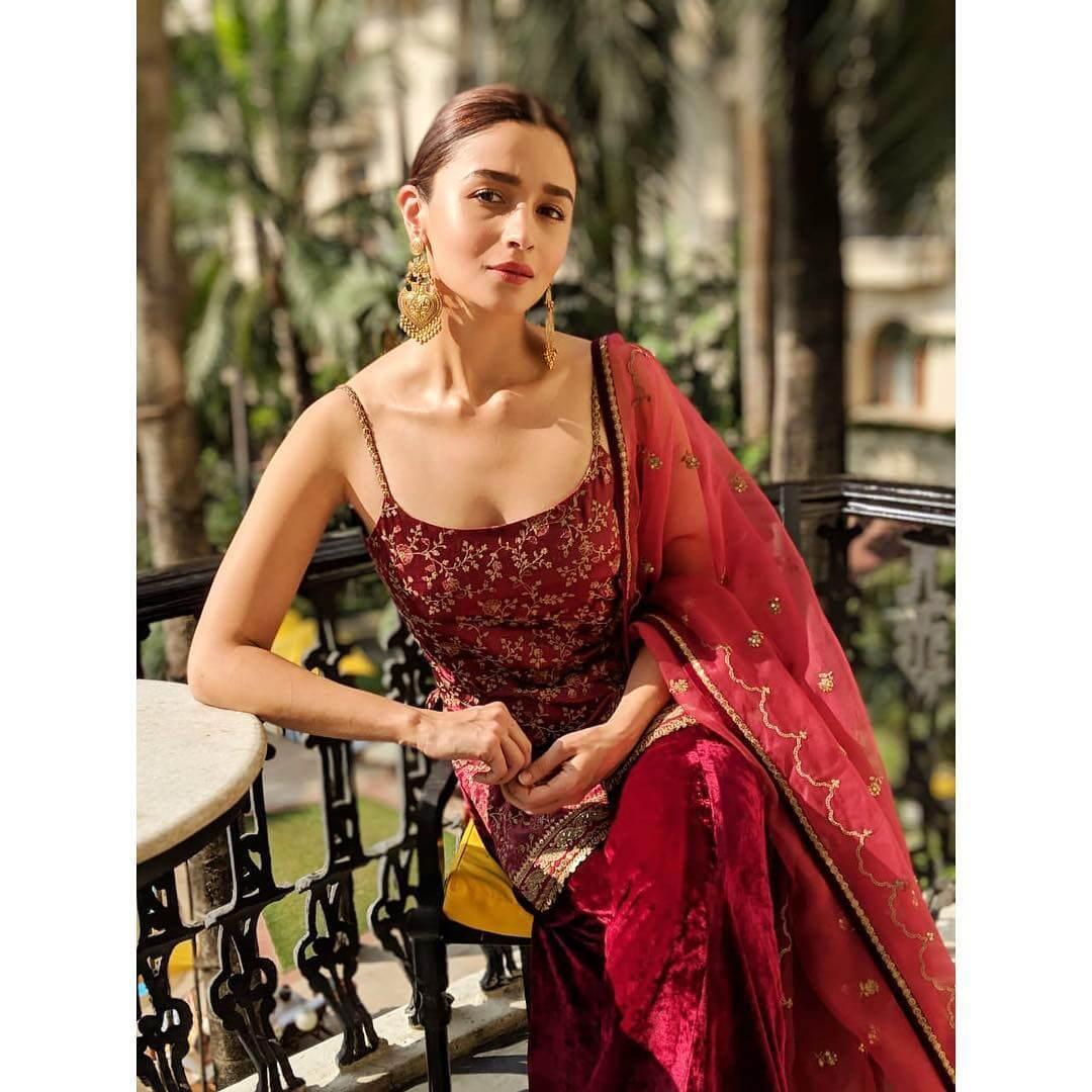 Alia Bhatt hot photos - Fashionmedya