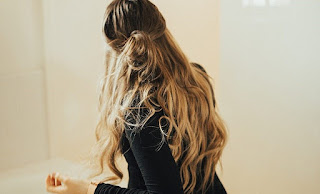 5 Gaya Rambut Half Up Messy Bun Menurut Jenis Rambut - hwblair