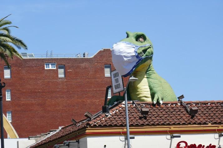 Hollywood Ripleys Believe It or Not face mask T-Rex dinosaur