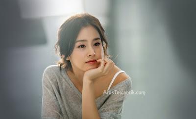 Model Korea Selatan Terseksi Kim Tae-hee
