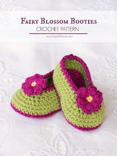 """Chaussons bébé au crochet """"Fairy blossom"""" - modèle gratuit"""
