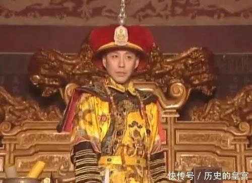 Là nước phiên thuộc Trung Quốc, tại sao vua nước Việt xưng Đế còn Triều Tiên chỉ xưng Vương?