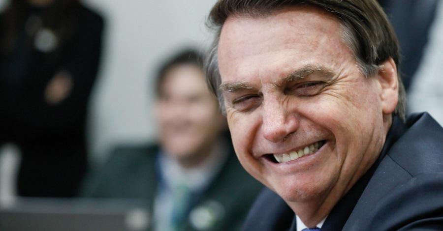 Apoio em massa de internautas a Bolsonaro é um dos assuntos mais comentados nas redes sociais