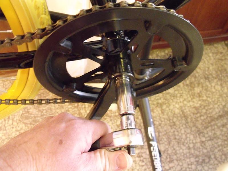 Bicycle Bike Crankset Crank Parts Bottom Bracket Dust Proof Cover Cap Bolt  ER