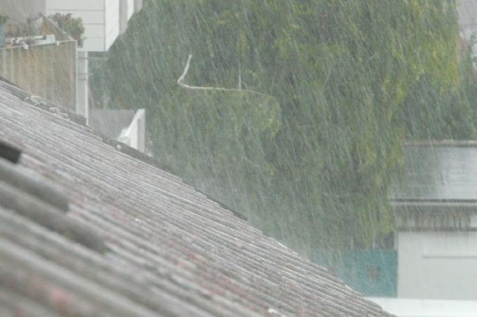 Hujan Lebat Disertai Petir dan Angin Kencang Berpotensi Terjadi di Bone Hari Ini