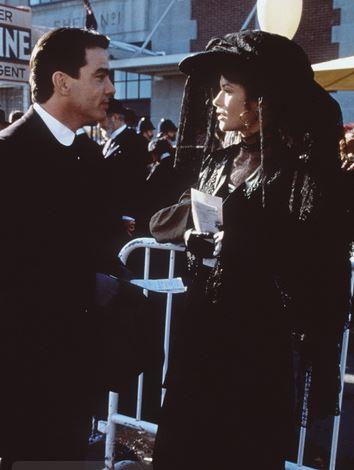 Catherine Zeta Jones em Titanic 1996