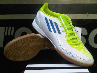 689cee58131 ... buy harga sepatu futsal adidas predator lz ii daftar harga sepatu  futsal adidas original terbaru 07b21