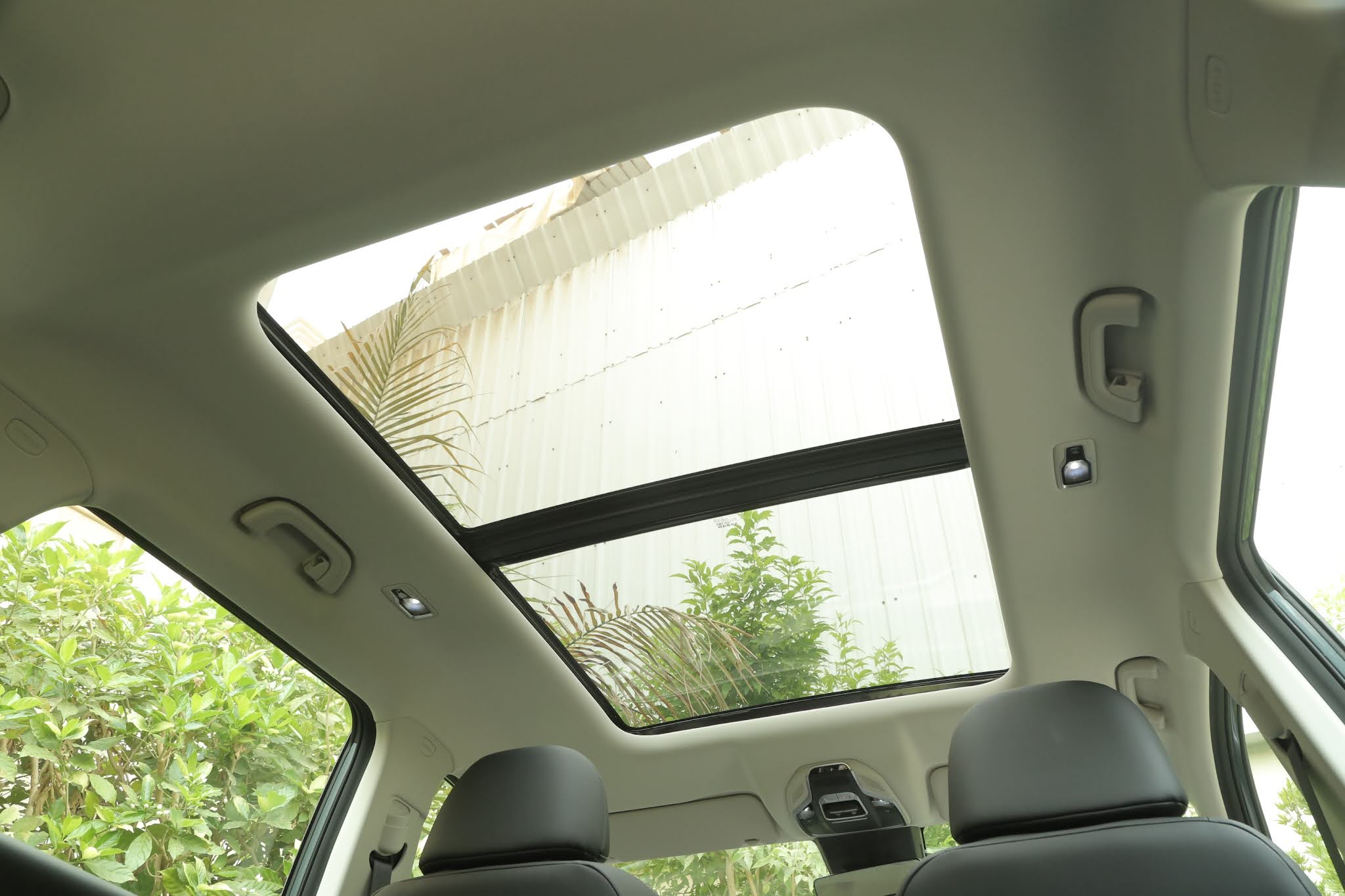 جيلي أوكافانجو فتحة السقف