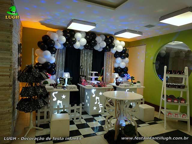 Aniversário de adolescentes e adultos - Decoração de festa tema Discoteca