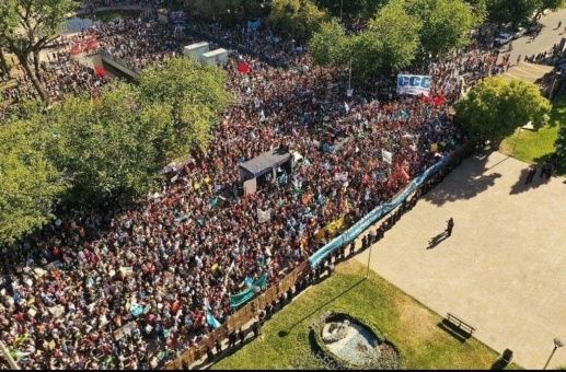 Suspenden reglamentación de ley minera en Mendoza, Argentina