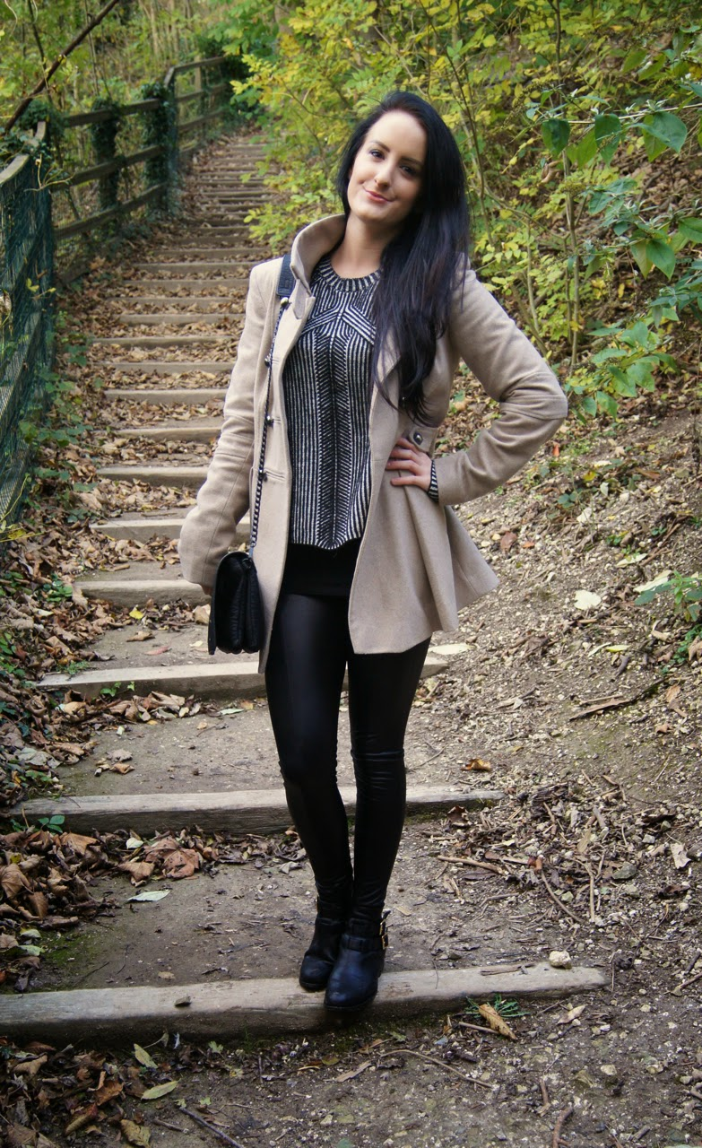 style blog camel and black outfit patterned jumper leather leggings