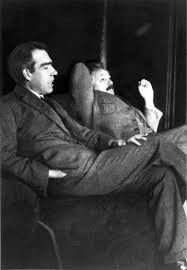 Bohr-Einstein-discussion-image
