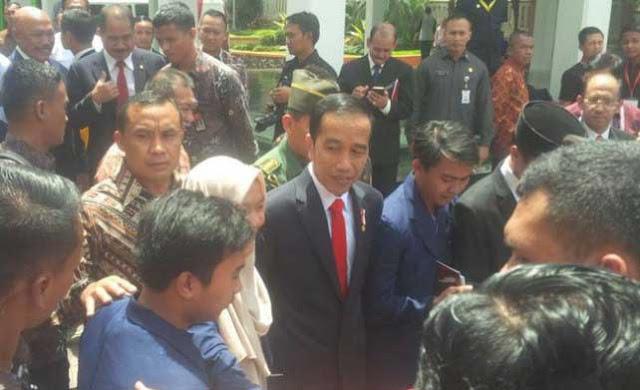 Jokowi Ingin Ada Fakultas Media Sosial di Universitas