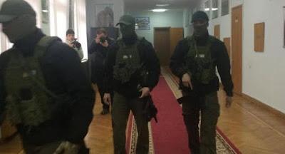 Следователи НАБУ провели обыски у мэра Одессы Труханова