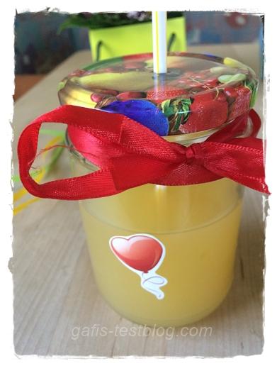 Geschenktipp - DIY Glas mit Deckel und Strohhalm