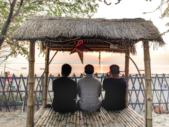The Picture-perfect 1-Day Beach Camp in Mousuni Island Along the Bay of Bengal doibedouin