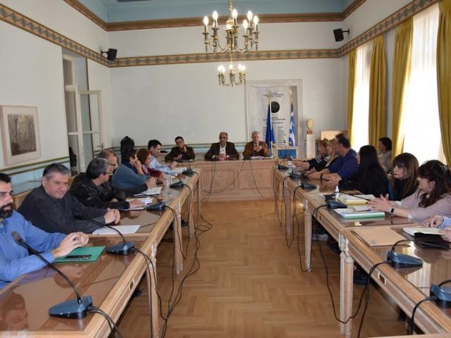Υπηρεσιακή σύσκεψη στην Περιφέρεια Πελοποννήσου για το θέμα του κορωνοϊού (βίντεο)