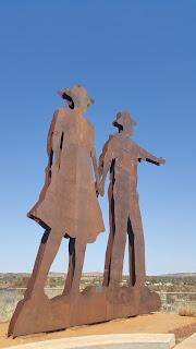 Stan & Ella Hilditch Statues   Newman