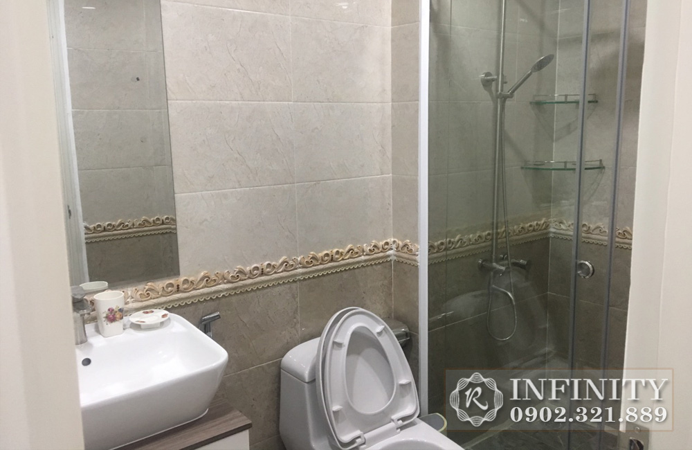 Cho thuê căn hộ Everrich Phát Đạt tại Quận 5 - phòng tắm và vệ sinh