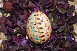 Veľkonočné vajíčka - maľovanie voskom časť 2)