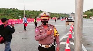 Kendaraan Pemudik Masuk Gerbang Tol Kalikangkung, diminta Berhenti di Pos Pam