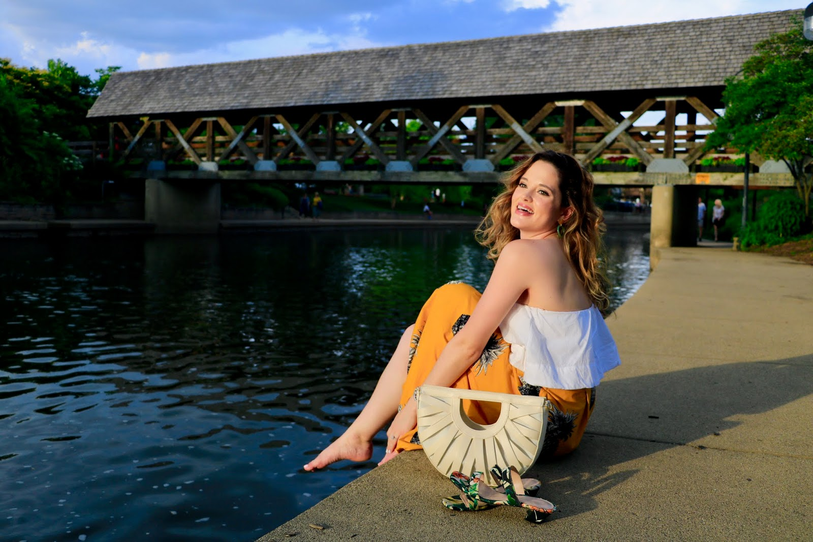 Nyc fashion blogger Kathleen Harper wearing an outfit perfect for a summer date night.