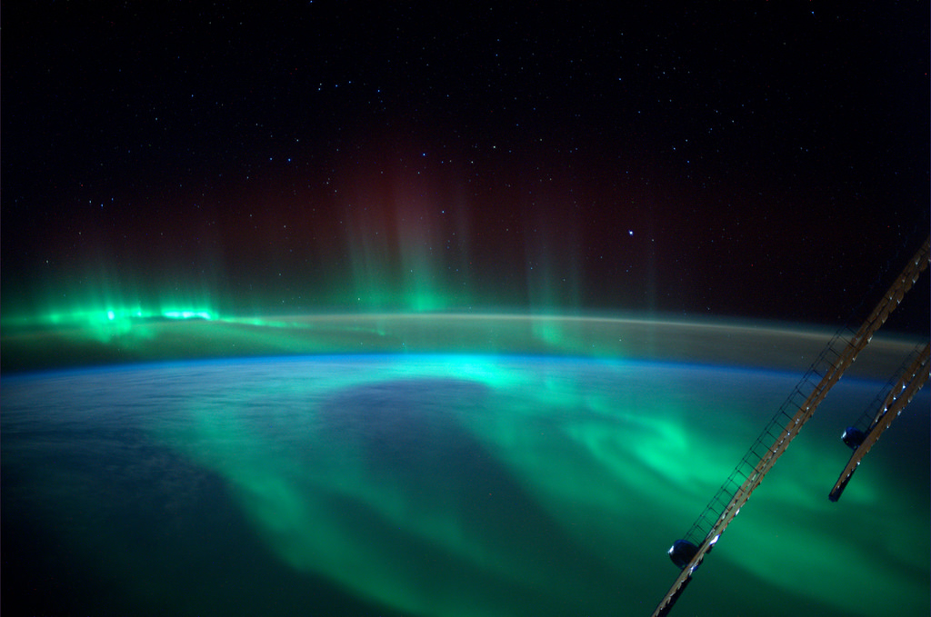 http://atmospheric-phenomena.blogspot.com/2014/12/aurora-top-images-2014-captured-by.html