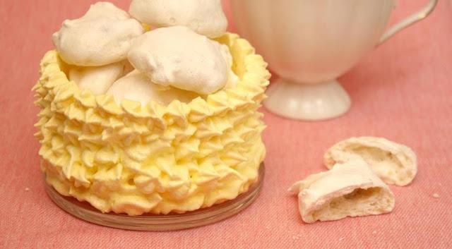 рецепты, безе, сладости, меренги, из яиц, из белков, из сахара, кремы, десерты, блюда из яиц, лакомства, пирожные, печенье блюда из белков, рецепты меренги, рецепты пирожных, пирожные воздушные