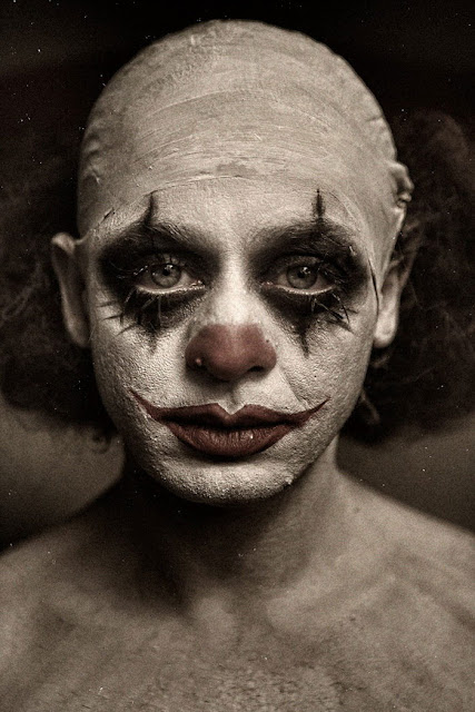Реальные страшные клоуны в фотографиях  фото клоунов, фотографии, фотографии ретро, страшные клоуны, ужасы, реальность, Хэллоуин, цирк, развлечения, про клоунов, на Хэллоуин, костюмы на Хэллоуин, 31 октября, Хэллоуин, развлечения на Хэллоуин,  вечеринка на Хэллоуин, Хэллоуин для детей, Хэллоуин для взрослых, про артистов, про цирк, цирк старинный, костюмы клоунов, Halloween, All Hallows' Eve, All Saints' Eve, Реальные страшные клоуны в фотографиях и на ретро фотоhttp://prazdnichnymir.ru/
