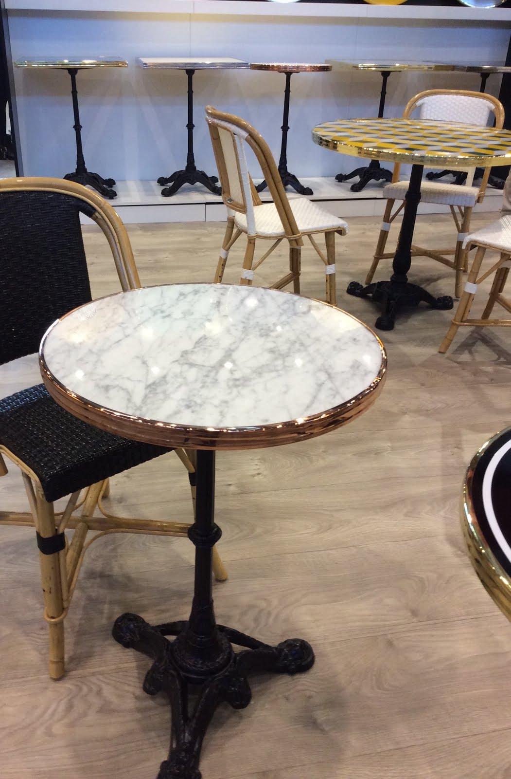 ardamez le blog nouveaut ardamez 2016 la table en marbre de carrare cercl e. Black Bedroom Furniture Sets. Home Design Ideas