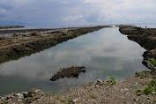 Pengrusakan Pesisir Pantai di Molas, Oknum Camat Hanya 'Diam'