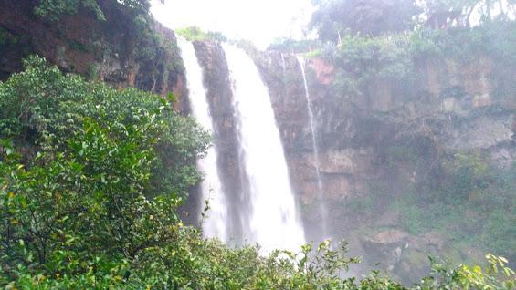 kapil dhara waterfall amarkantak dindori , amarkantak ke waterfall