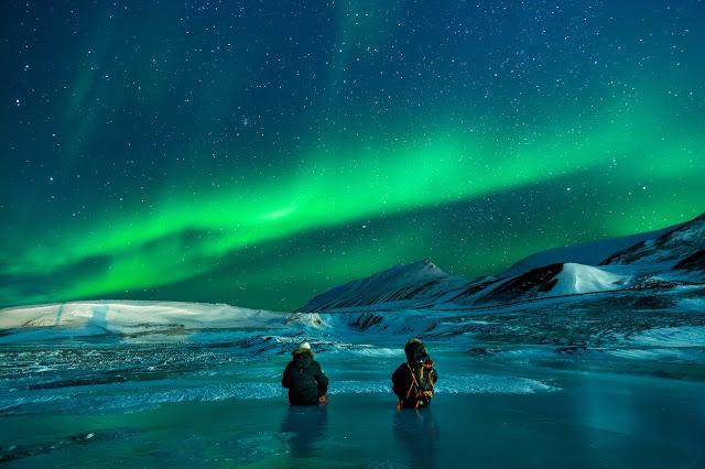 سكان الاسكا والقطب الجنوبي والشفق القطبي