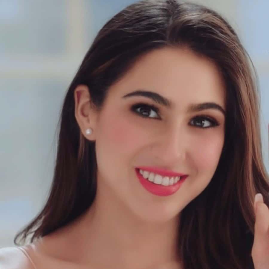 sara ali khan dp, sara ali khan face, sara ali khan smile