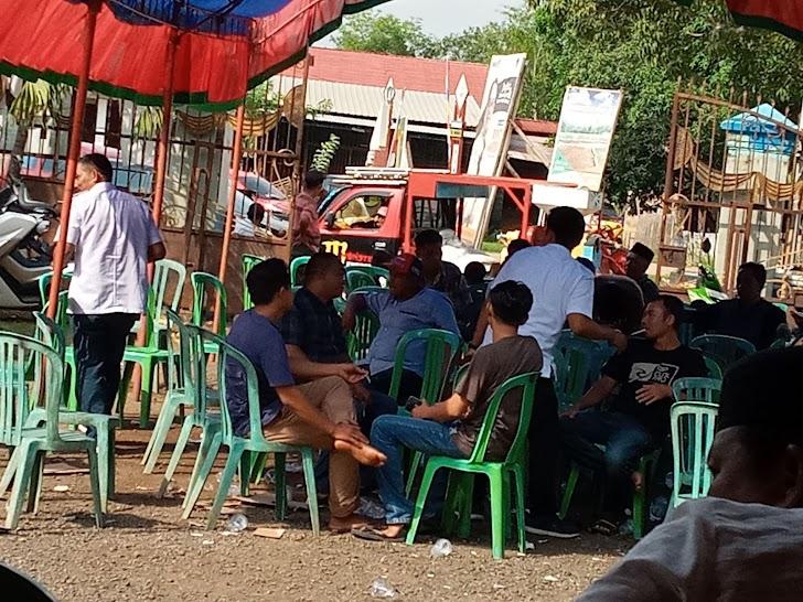 Bakal Calon Bupati Maros 2021 Makan Bersama  Dengan Masyarakat Moncongloe