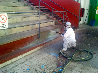 Adelaide wet abrasive blasting in action