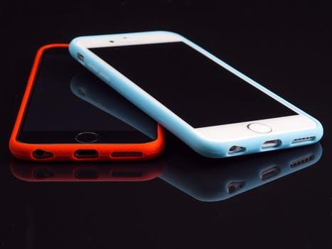 الفرق بين نظام تشغيل الايفون الجيد ios12