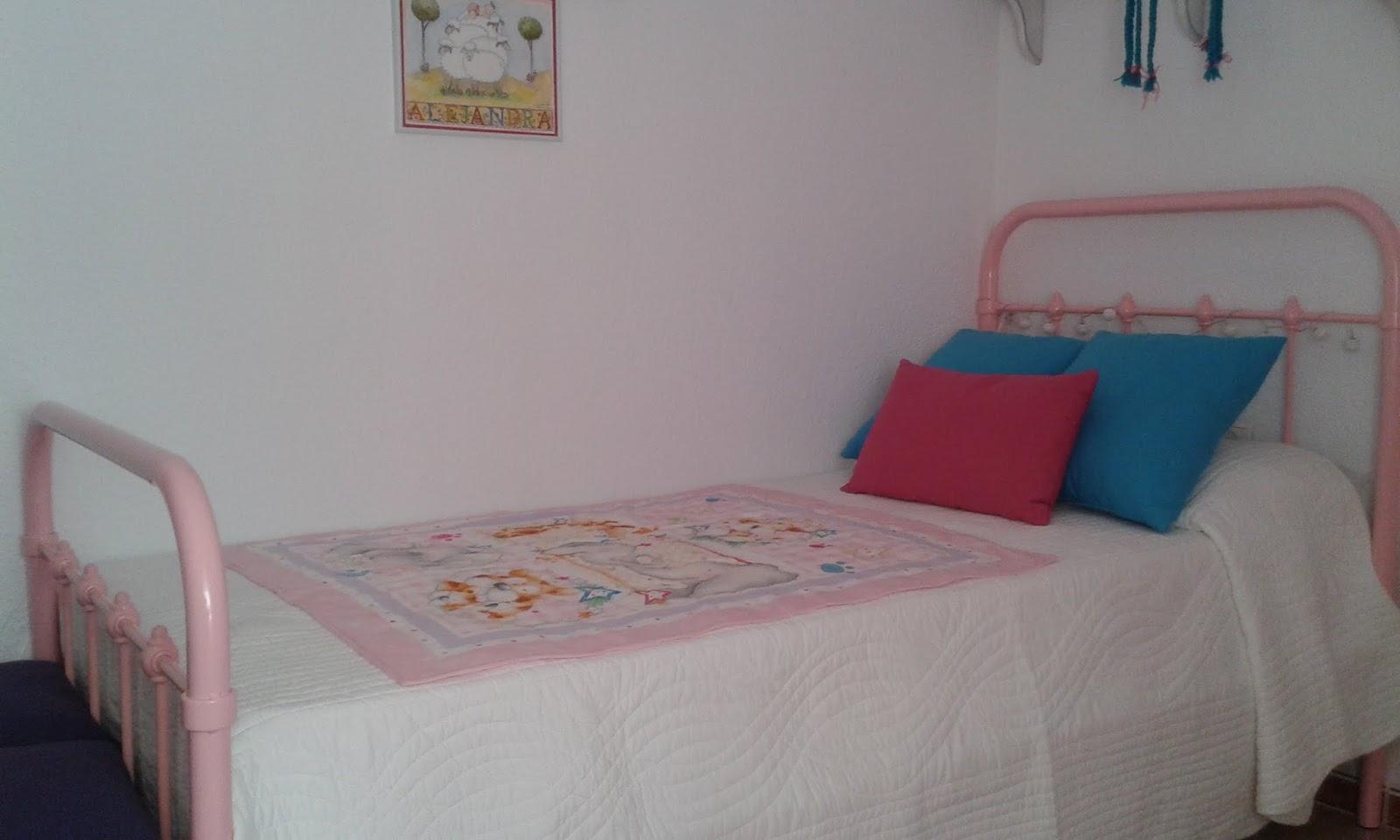 gusto estas camas de forja de colores de mini home son hoy por hoy las ms bonitas del mercado con ese aire vintage que imprimen a cualquier espacio