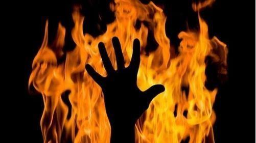 شابة سورية تضرم النار في جسدها بسبب زوجها ؟