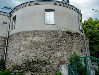 Жолква. Василианская ул. Дом-башня